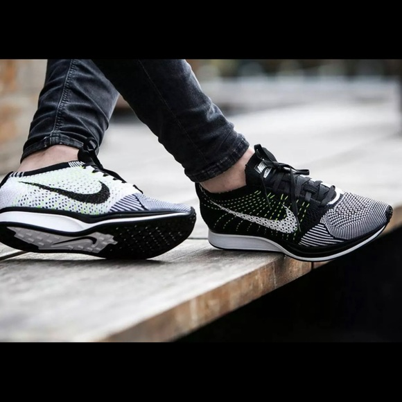 newest collection dd9ef d780a Nike Flyknit Racer Oreo Unisex Brand New